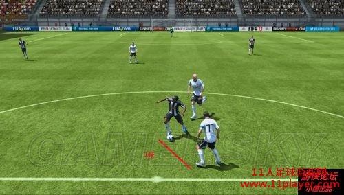 FIFA13 假动作操作教程之十种过人方式 - 11人